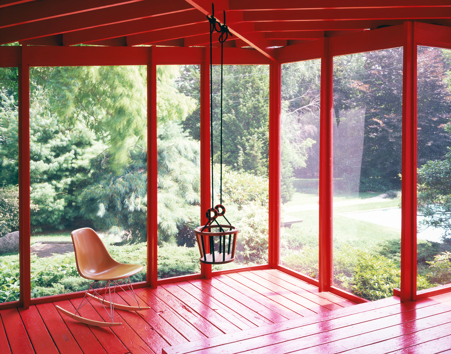 100-Roger_Davies_I_Pardo_red_porch_touched