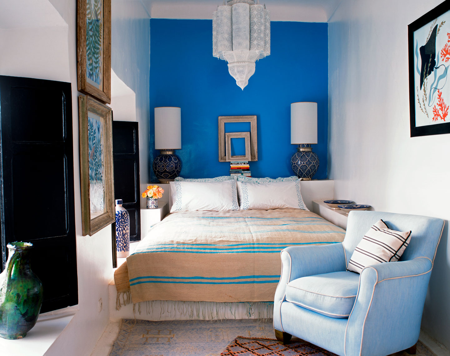78-Roger_Davies_DS_blue_bedroom